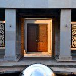Şakirin Moschee Brunnen und Eingangstür