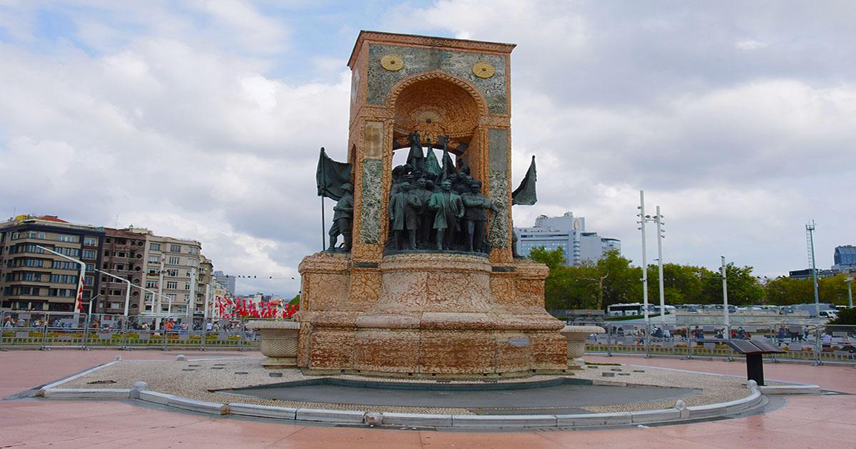 taksim monument in istanbul