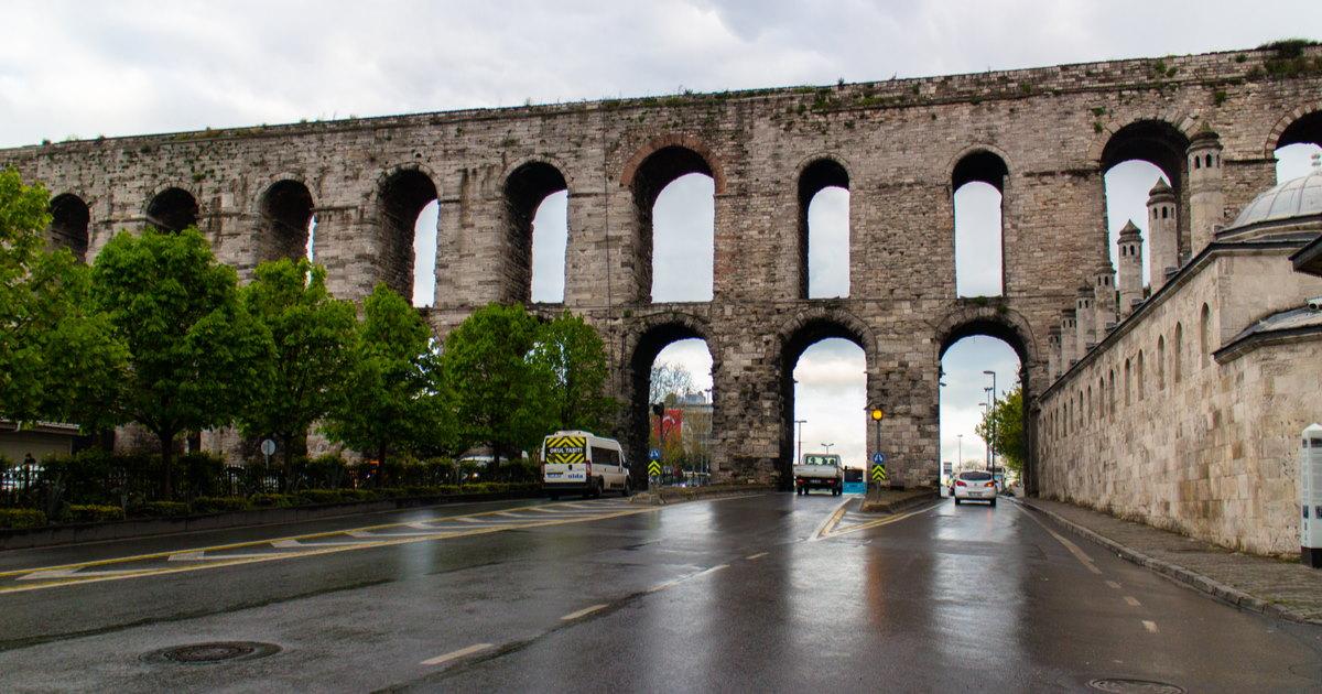 Bozdoğan Kemeri in Istanbul